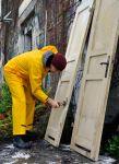 Etwa 150 alte Türen wurden gesäubert...
